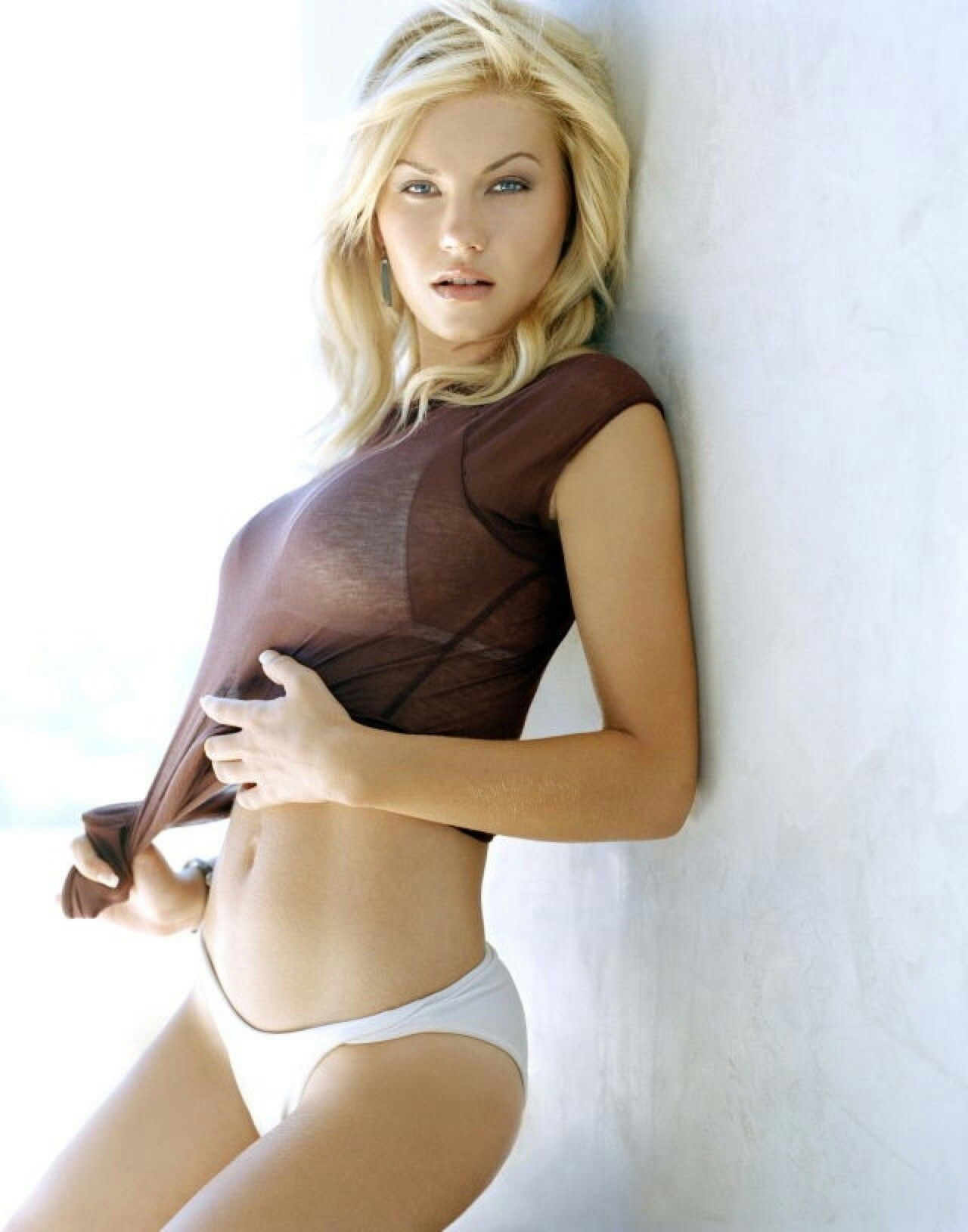 Elisha cuthbert look alike porn star And