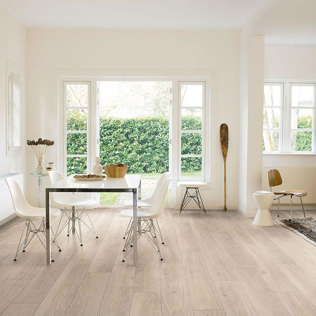 Quickstep Classic Moonlight Oak Light QSM076 Laminate Flooring - Laminat Grau Wohnzimmer