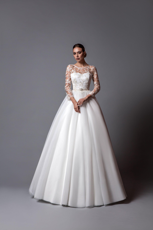 Romantic designer wedding dress alure aline silhouette on the short