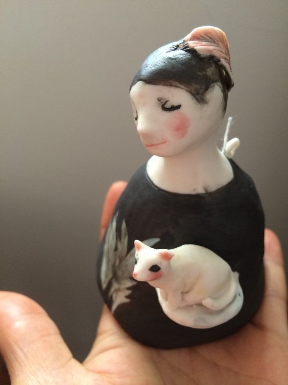 Bell-perdon 15 'with her kitty cat' by erinswindow on Etsy