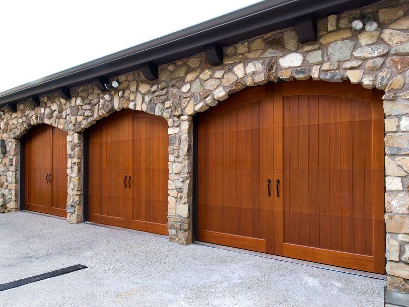 The Elegant Look Of Wood Garage Doors Home Furniture Puertas Principales Puerta De Madera Casitas