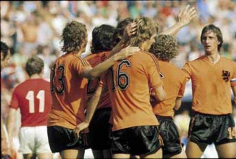 49_Oranje-in-de-jaren-70-oogstrelend.jpeg (800×540)