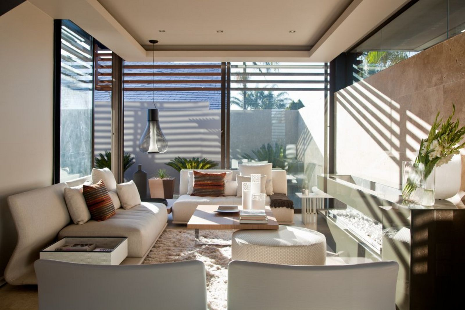 Interior Aboobaker By Nico Van Der Meulen Tropical Living Room Modern Home House Window Glass