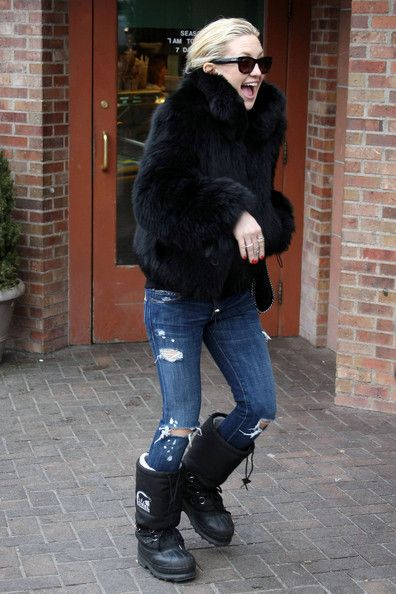 Kate Hudson spotted wearing some Sorel boots