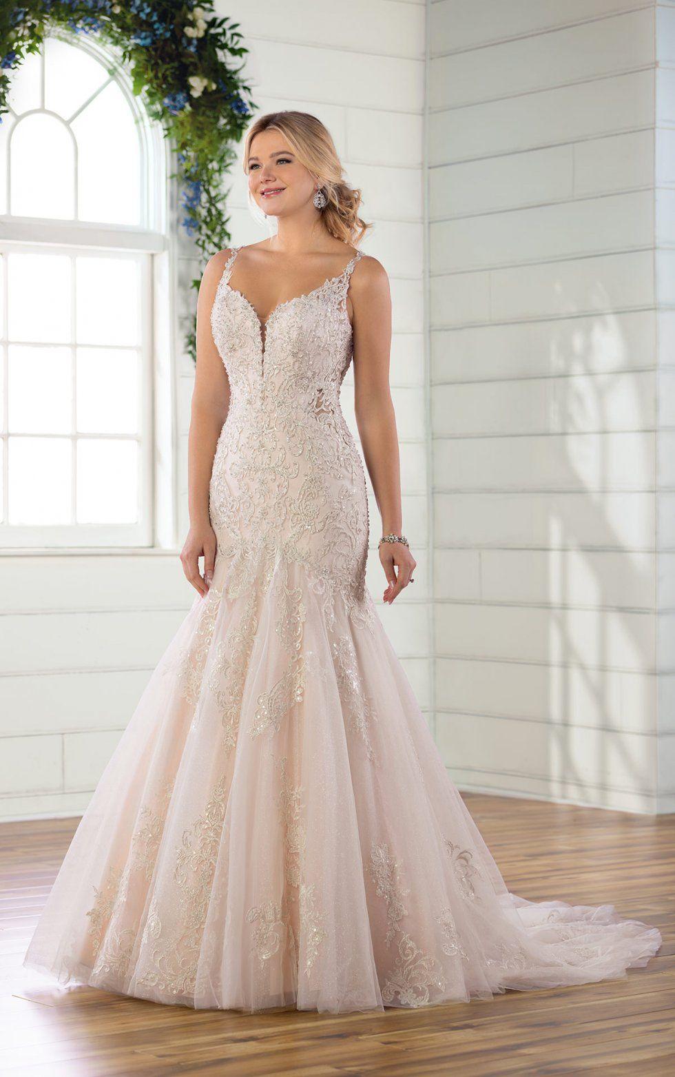 Glamorous mermaid wedding dress with keyhole back in