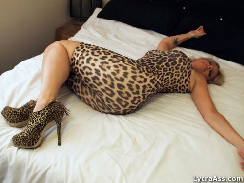 Milf wearing leopard thong