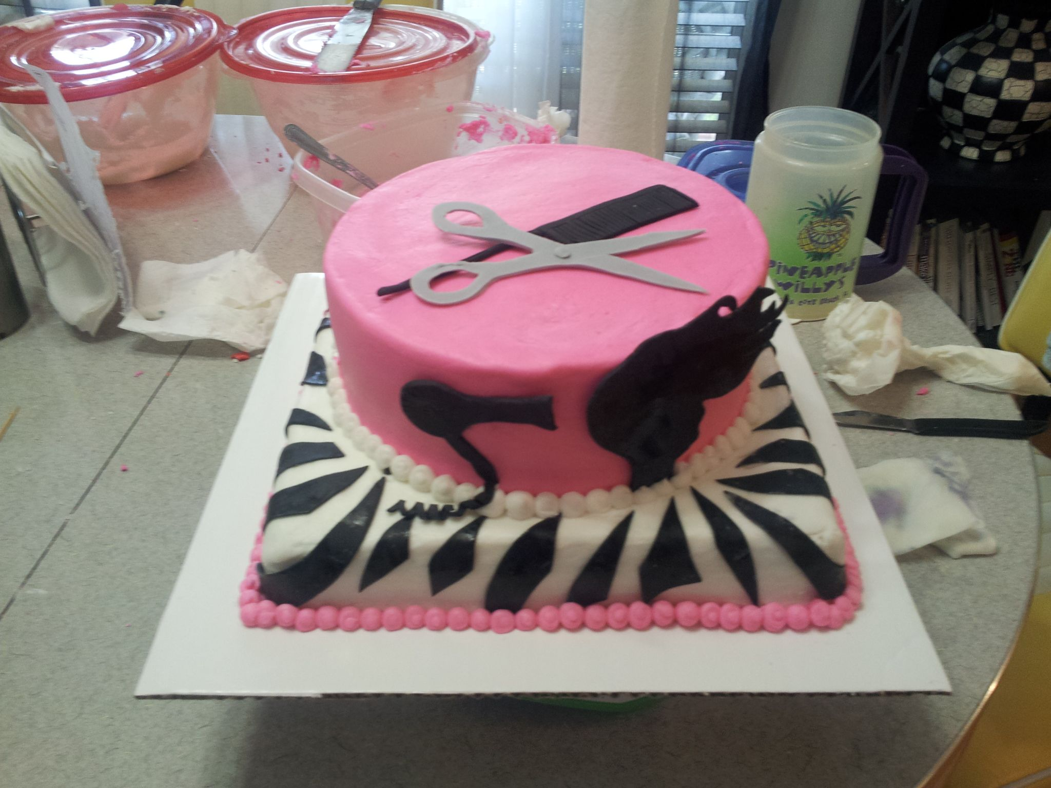 Easy Cake Decorating Ideas For Graduation : Cosmetology cake! Cakes I have decorated/help to ...
