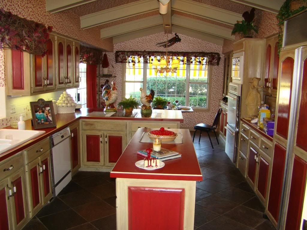 Ugly kitchen, but great window. | Kitchen remodel | Pinterest ...