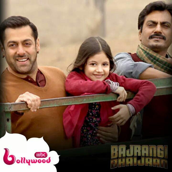 يفعل المستحيل لكي يحافظ على الطفلة slman khan in bajrangi bhaijaan  I watched it 22-12-2015