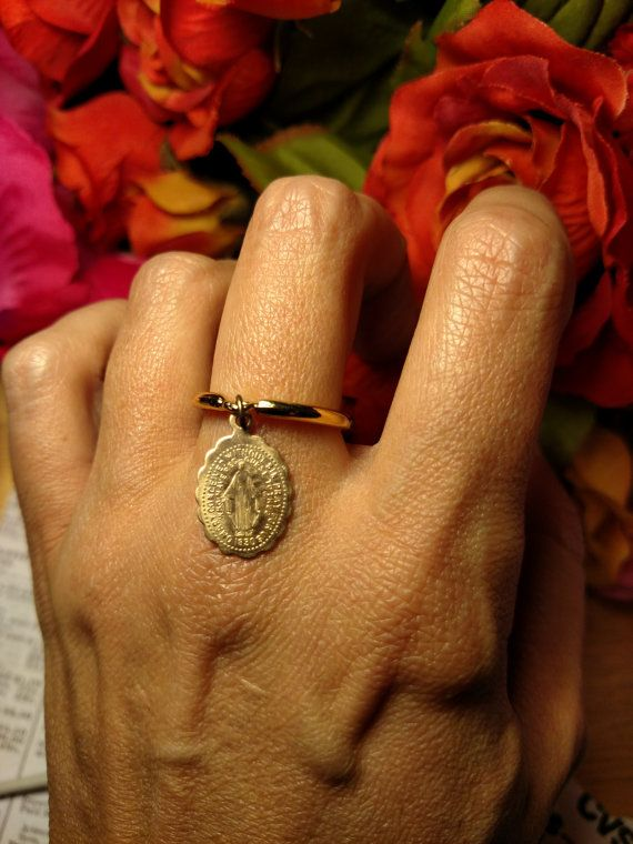 Virgin Mary Antique Gold Religious Medal Charm Ring Size 75