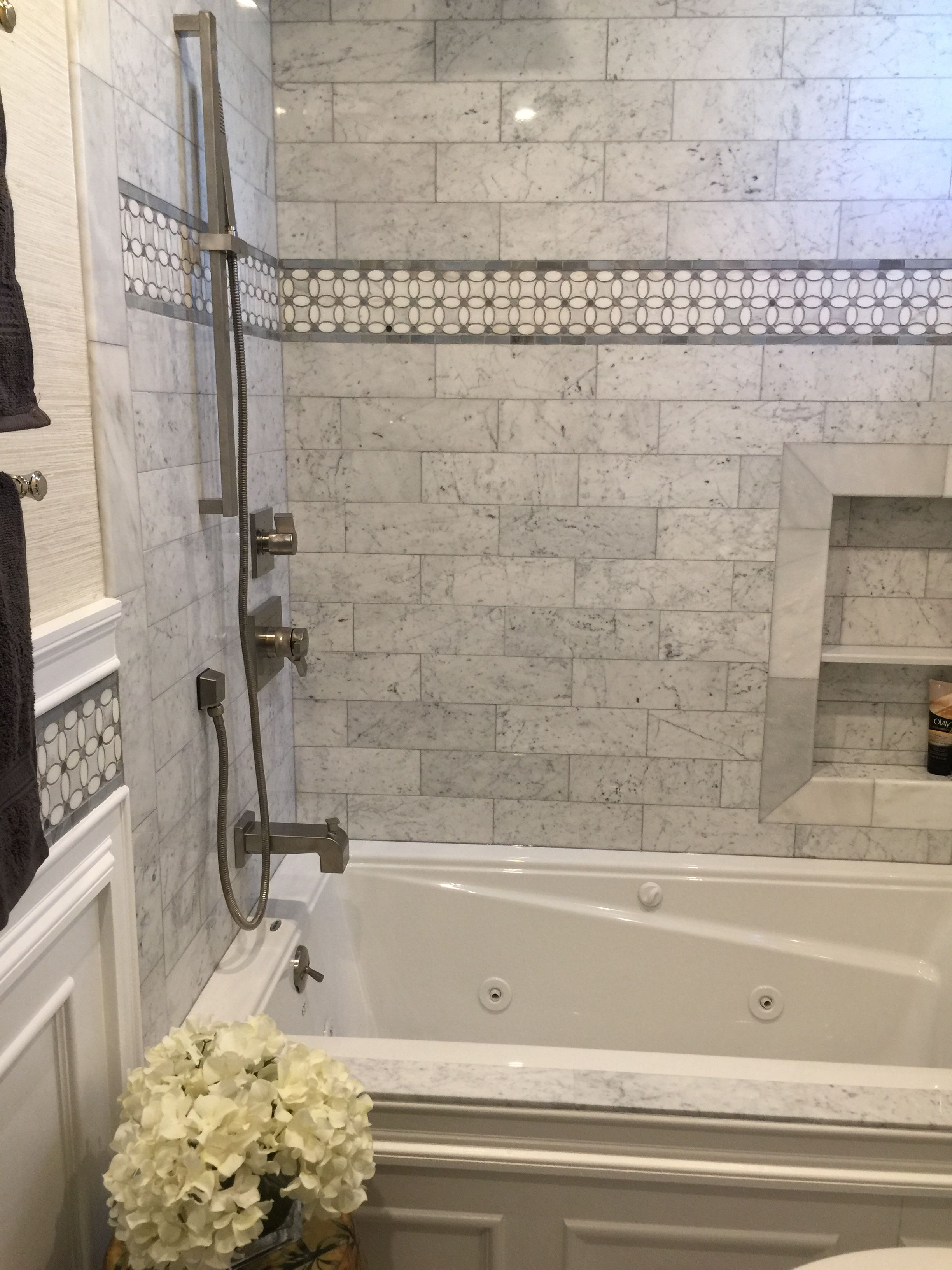 Beautiful marble shower wall with jacuzzi tub. | Bathroom pictures ...
