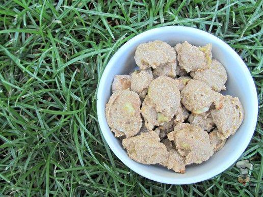 (wheat and dairy-free, vegetarian) honey banana dog treat/biscuit recipe