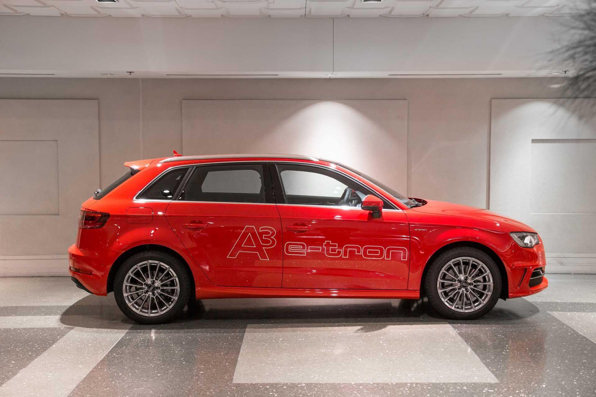 Download Super Audi A3 Sportback E Tron Show Room Free