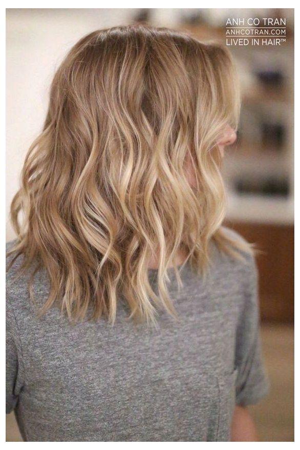 dark blonde hair with highlights short