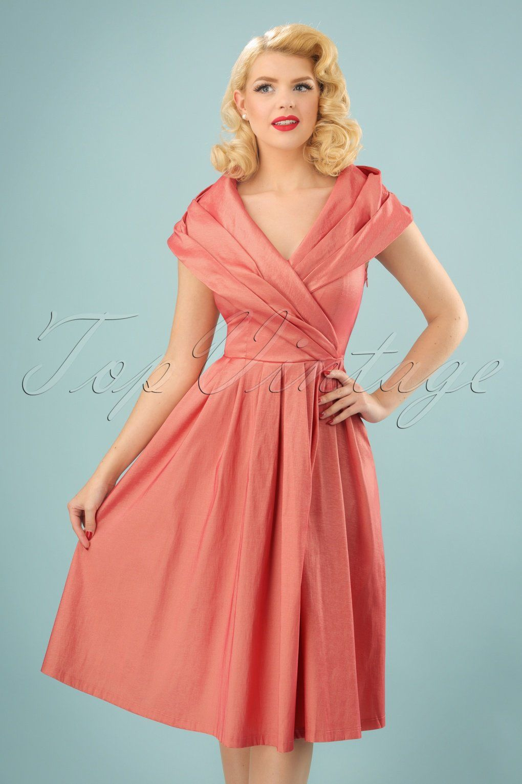 This 50s Amber Swing Dress In Pearl Pink Will Become The Pearl Of Your Dress Collection Wow Make A Gran Pink Swing Dress Evening Dresses Vintage Swing Dress [ 1530 x 1020 Pixel ]
