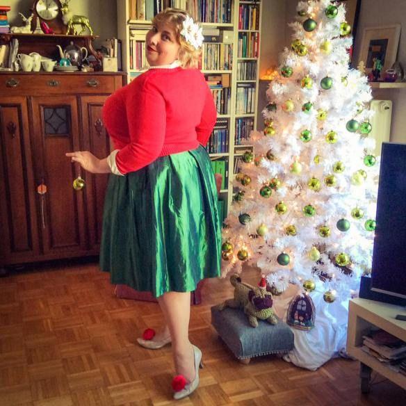 misskittenheel vintage plussize curvy christmas ugly sweater lindybop