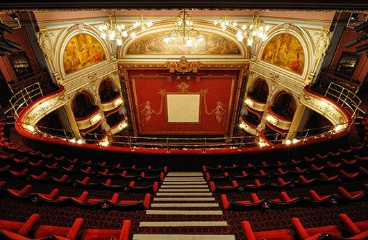 alhambra theatre bradford our view when we saw the lion. Black Bedroom Furniture Sets. Home Design Ideas