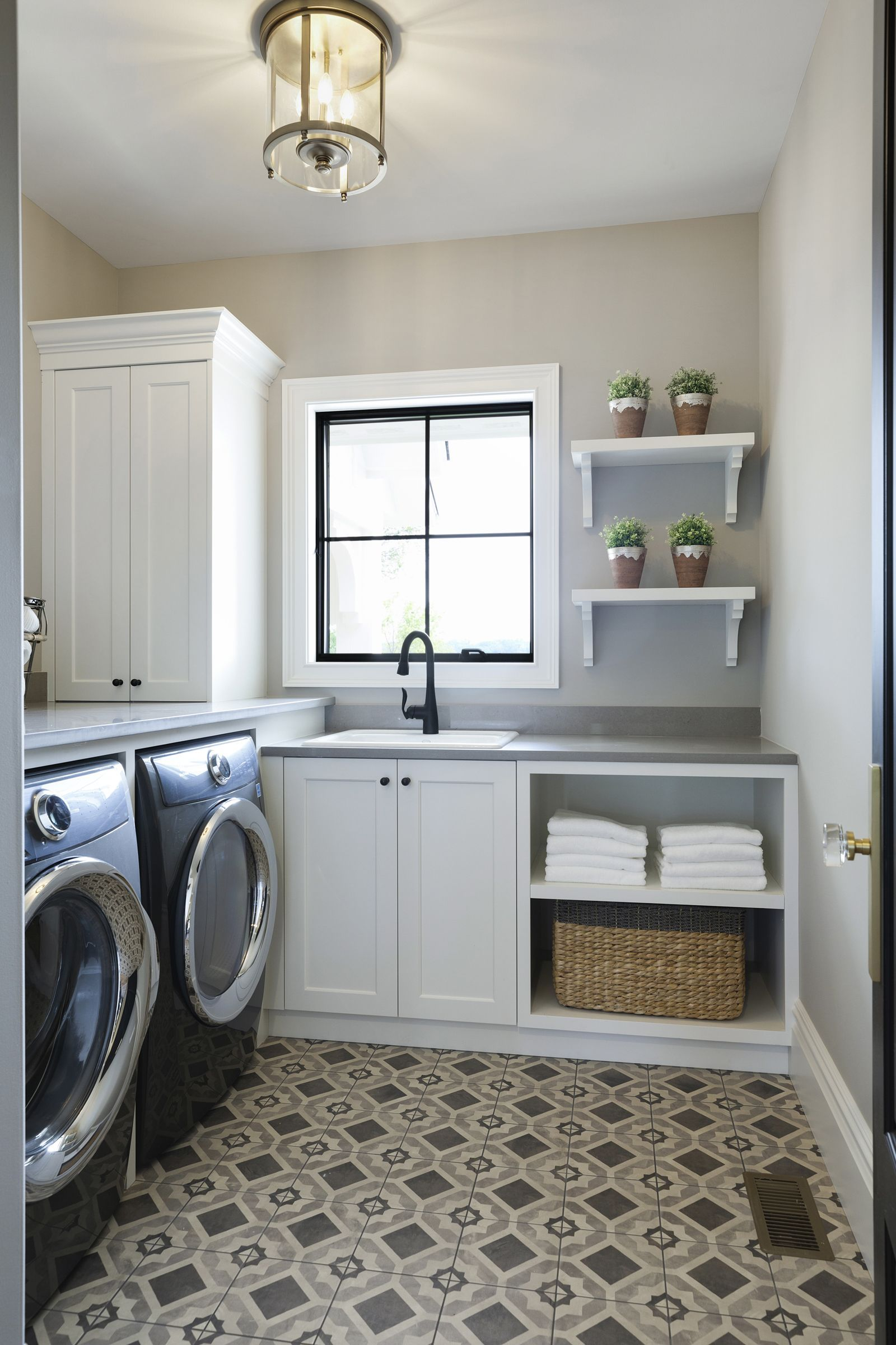 making doing laundry fun with this dreamy laundry room on effectively laundry room decoration ideas easy ideas to inspire you id=76952