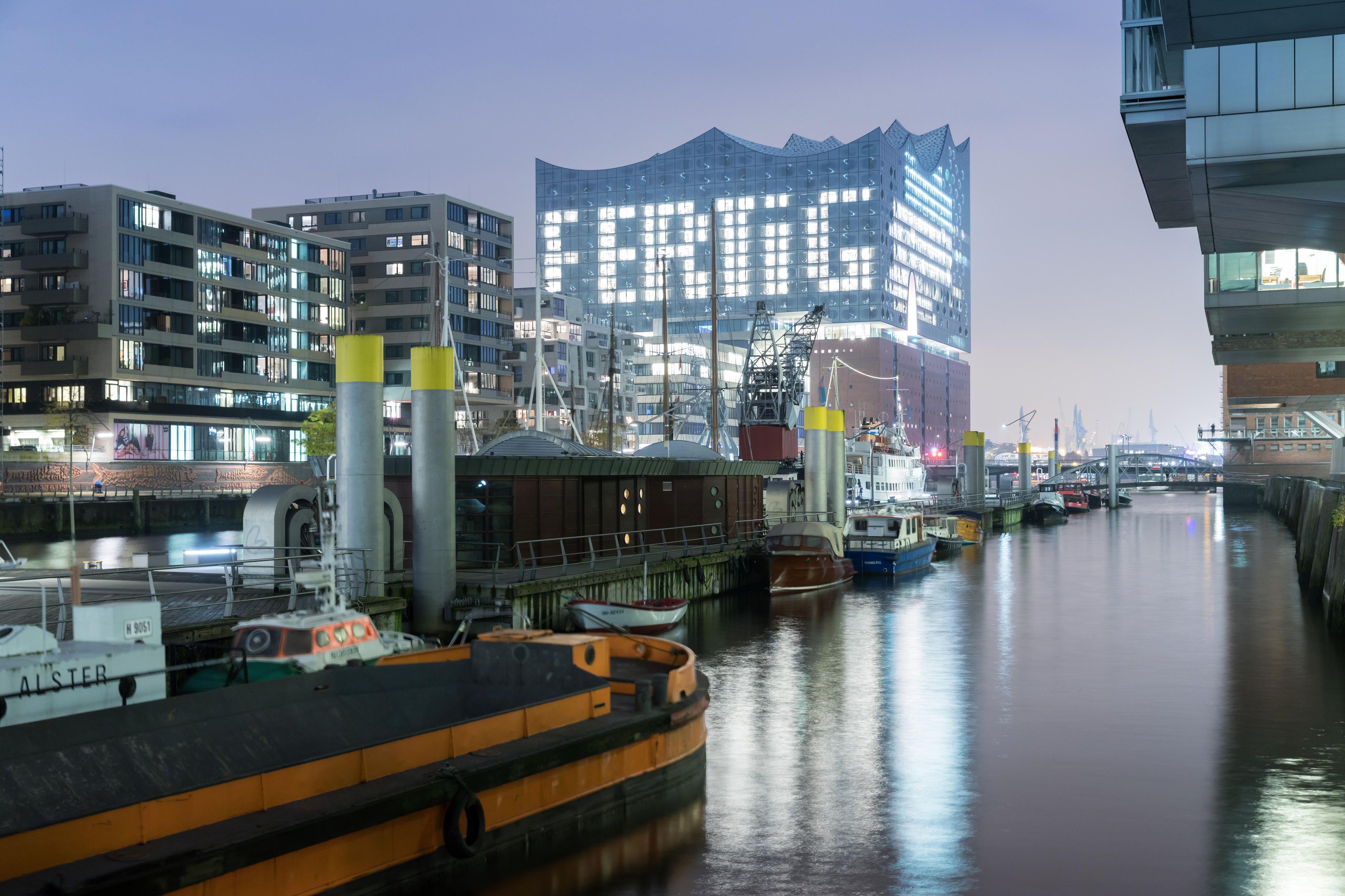 Plaza Der Elbphilharmonie Eroffnet Hamburg The Plaza Architektur