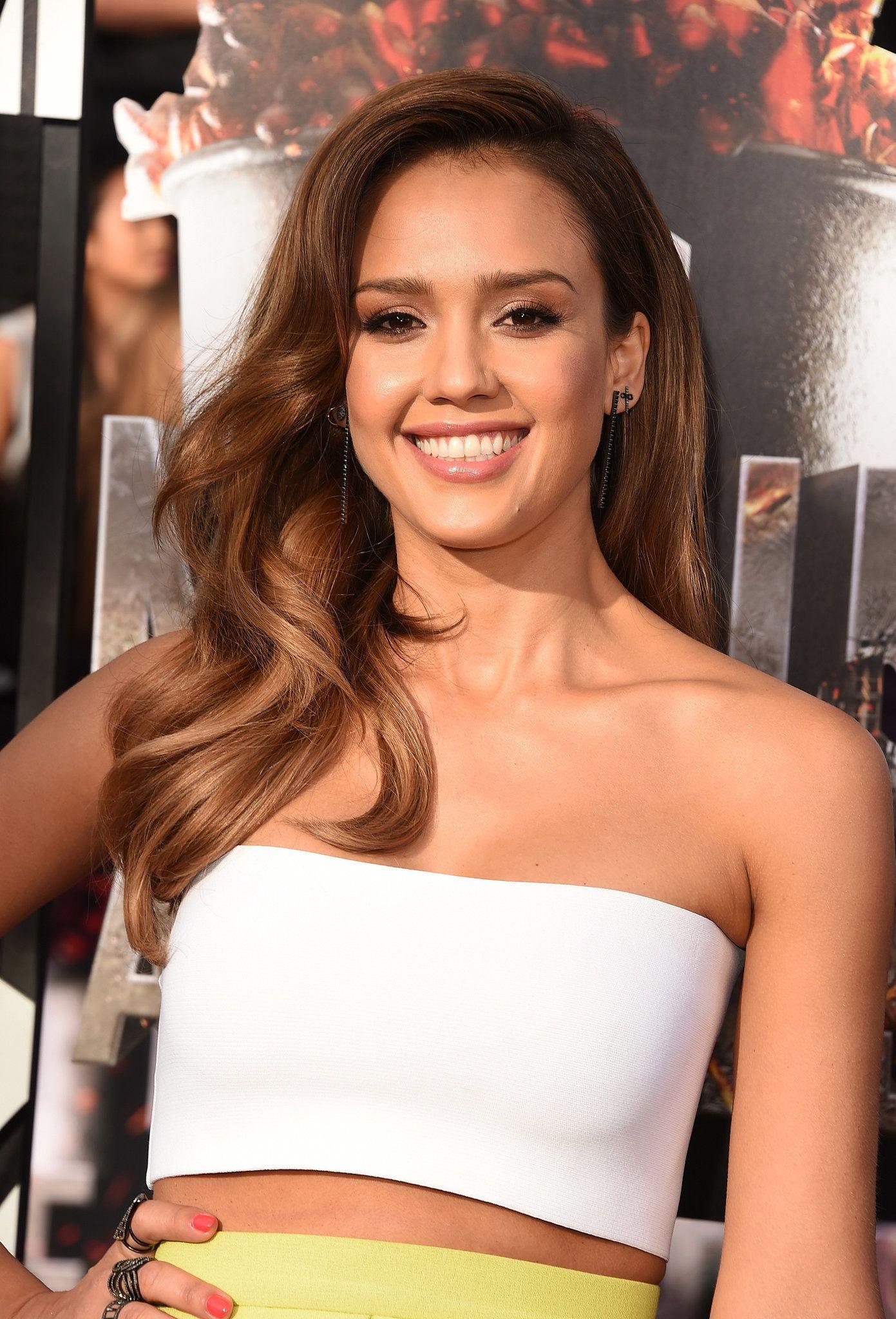 Celebrity Entertainment Jessica Alba Lights Up The Mtv Movie Awards Jessica Alba Hair Jessica Alba Hair Styles