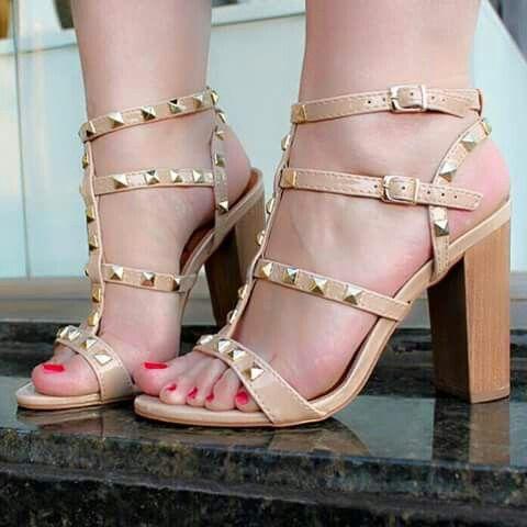 00c92942e Delicada e chique Sapatos Formais, Calças Femininas, Sapatos Femininos,  Tendências Da Moda,