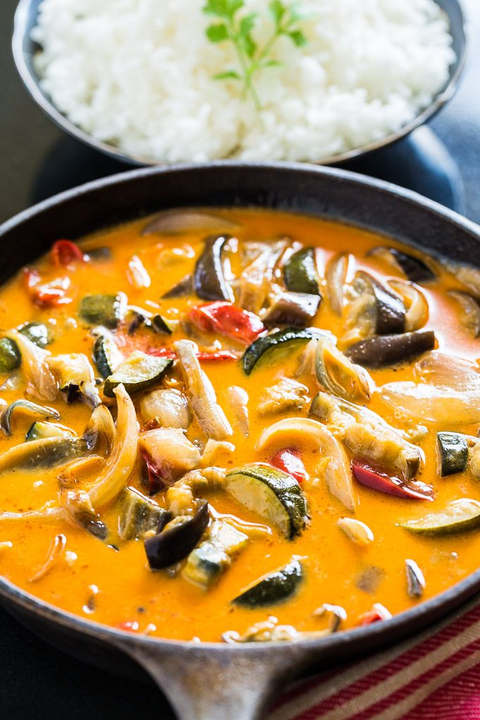 Easiest Roasted Veggie Thai Curry