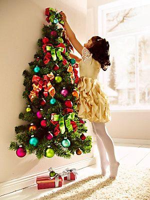 wand weihnachtsbaum mit kugeln wir weihnachten. Black Bedroom Furniture Sets. Home Design Ideas