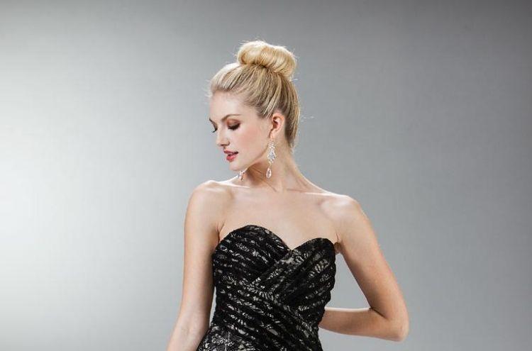 Frisur Für Trägerloses Kleid Dutt Duttkissen Ganz Oben Frisuren