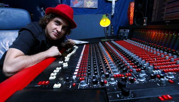 MCI 416 RECORDING CONSOLE @ STUDIO 71 IN MIAMI Photo by Sayre Berman