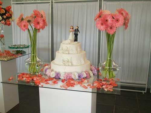 GUIA Decoraç u00e3o para Mesa do Bolo de Casamento decoraç u00e3o Mesa do bolo casamento, Decoraç u00e3o  # Decoração De Mesa De Bolo De Noivado Simples