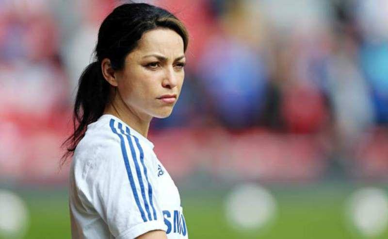 Eva Carneiro deja al Chelsea y tomará acciones legales - La médica gibraltareña Eva Carneiro ha dejado el Chelsea un mes y medio después del incidente que tuvo con el entrenador José Mourinho durante el ...