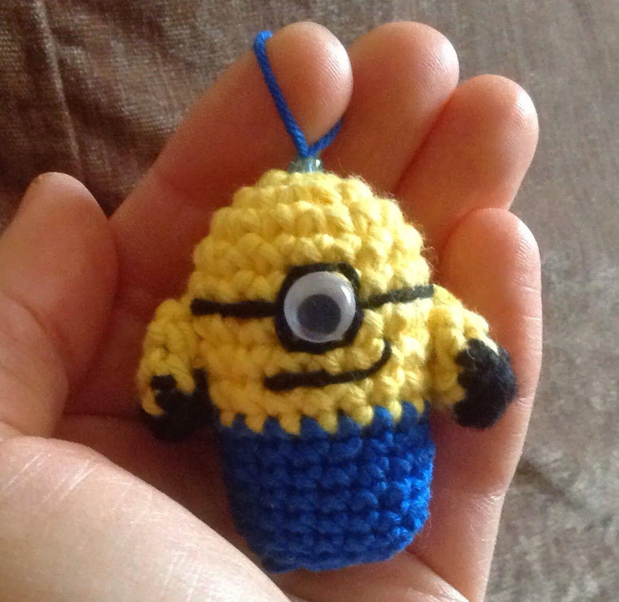 Annies DIY: Minion Schlüsselanhänger Crochet Häkeln Häkelanleitung ...