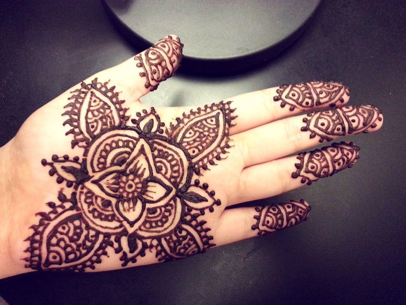 Cute Henna Tattoo Designs: Pretty Henna - Google Search