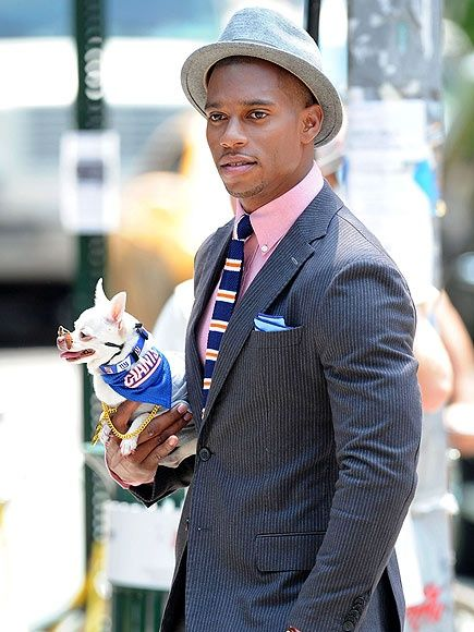 Victor Cruz Football | VICTOR CRUZ Say cheese! The New York Giant and his furry football fan ...