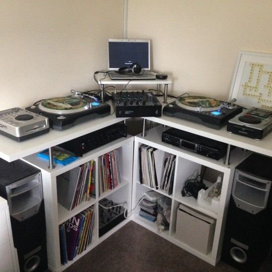 Good Space saving corner DJ Music production unit