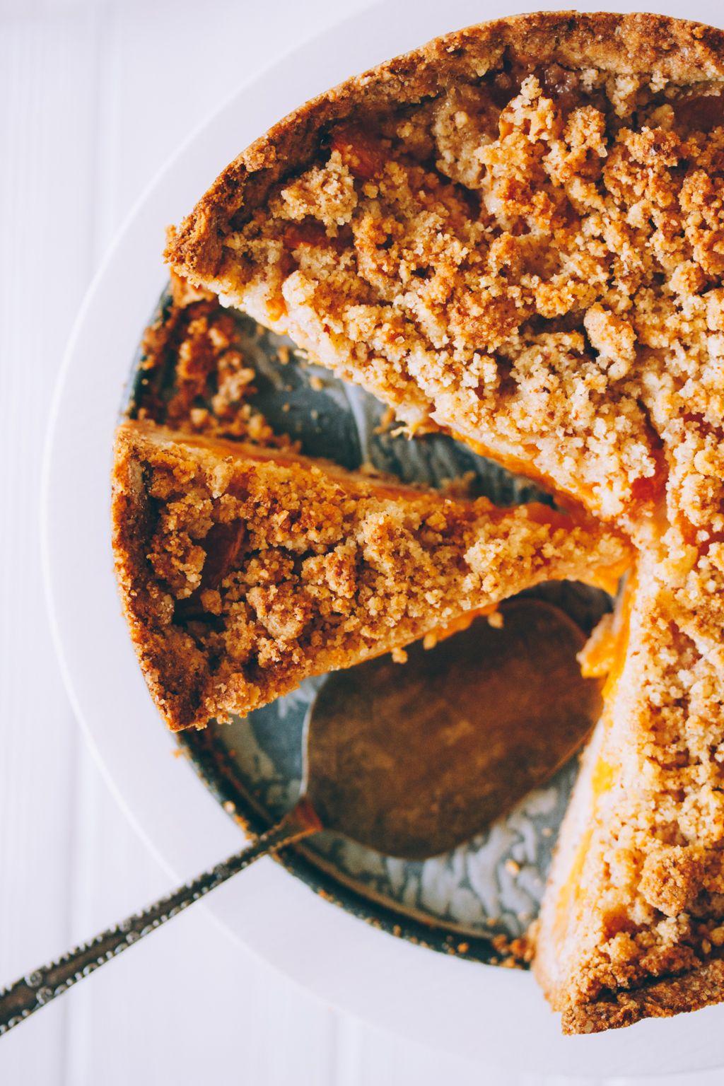 Apricot Almond Pie - Perfect Summer Pie.