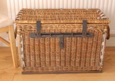 Vintage Wicker Laundry Basket Great Stylish Storage E