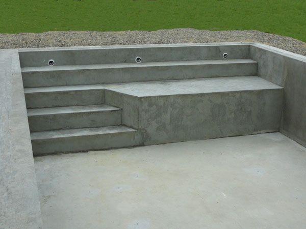 Escaliers piscine en b ton monobloc marinal piscine for Plan piscine beton