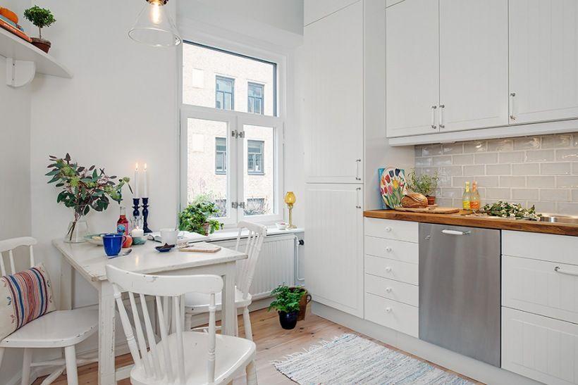 Mała Kuchnia Z Białym Kącikiem Ze Stołem Lovingitpl