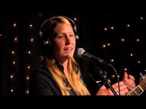 ▶ Zoe Muth - Full Performance (Live on KEXP) - YouTube