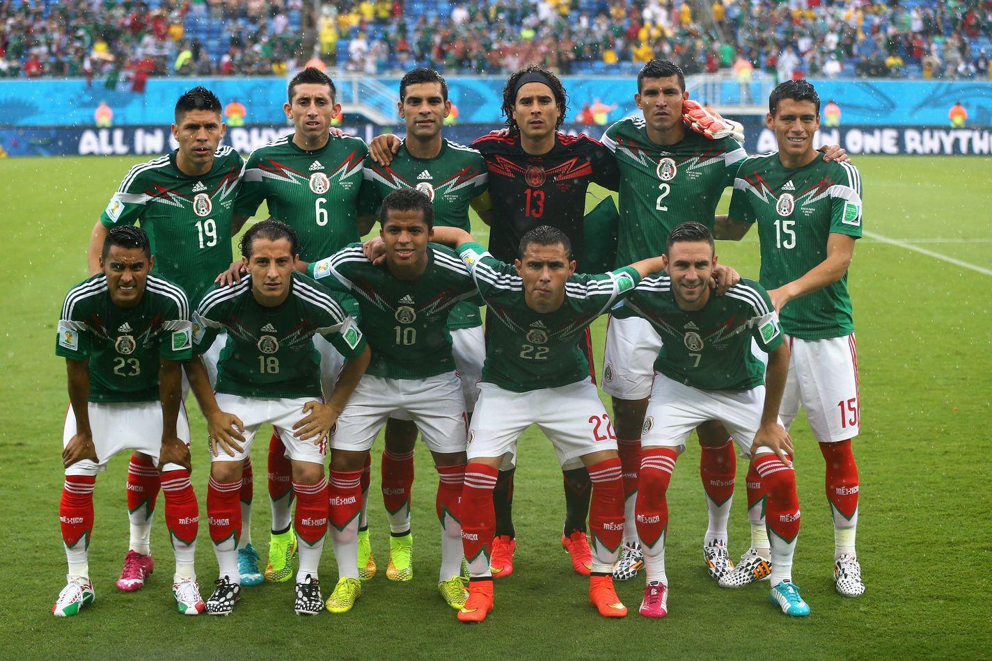Selección de Mexico en el partido contra Camerún. Brasil 2014 :)