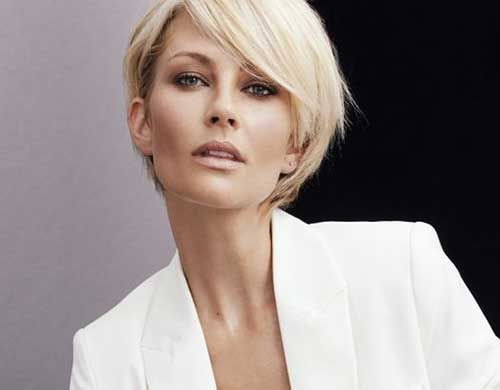 Coupes de cheveux courtes élégantes pour les femmes âgées