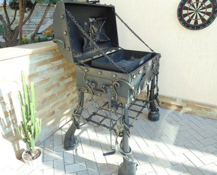 fabriquer un barbecue en fer forgé en forme de coffre au trésor de