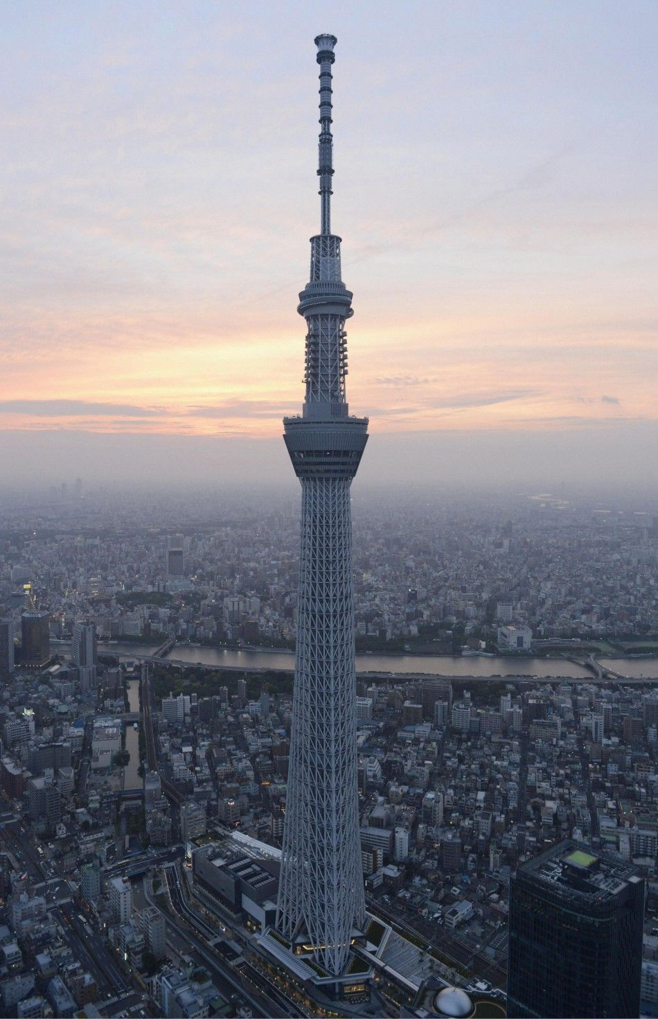 276437 Tokyo Skytree World S Tallest Tower Opens Jpg 950 1 470 Pixel Feel Architecture Living Pinterest Tokyo Chang E 3 And See You