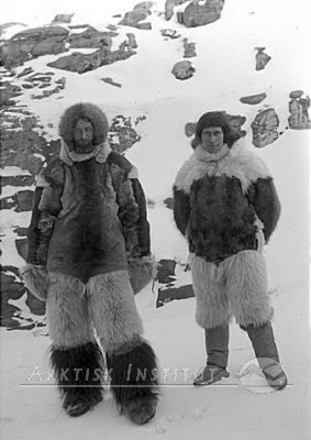Search Sog Peter Freuchen To See Many Amazing Photographs Of Freuchen His Friends Family And Arctic Landscapes With Images
