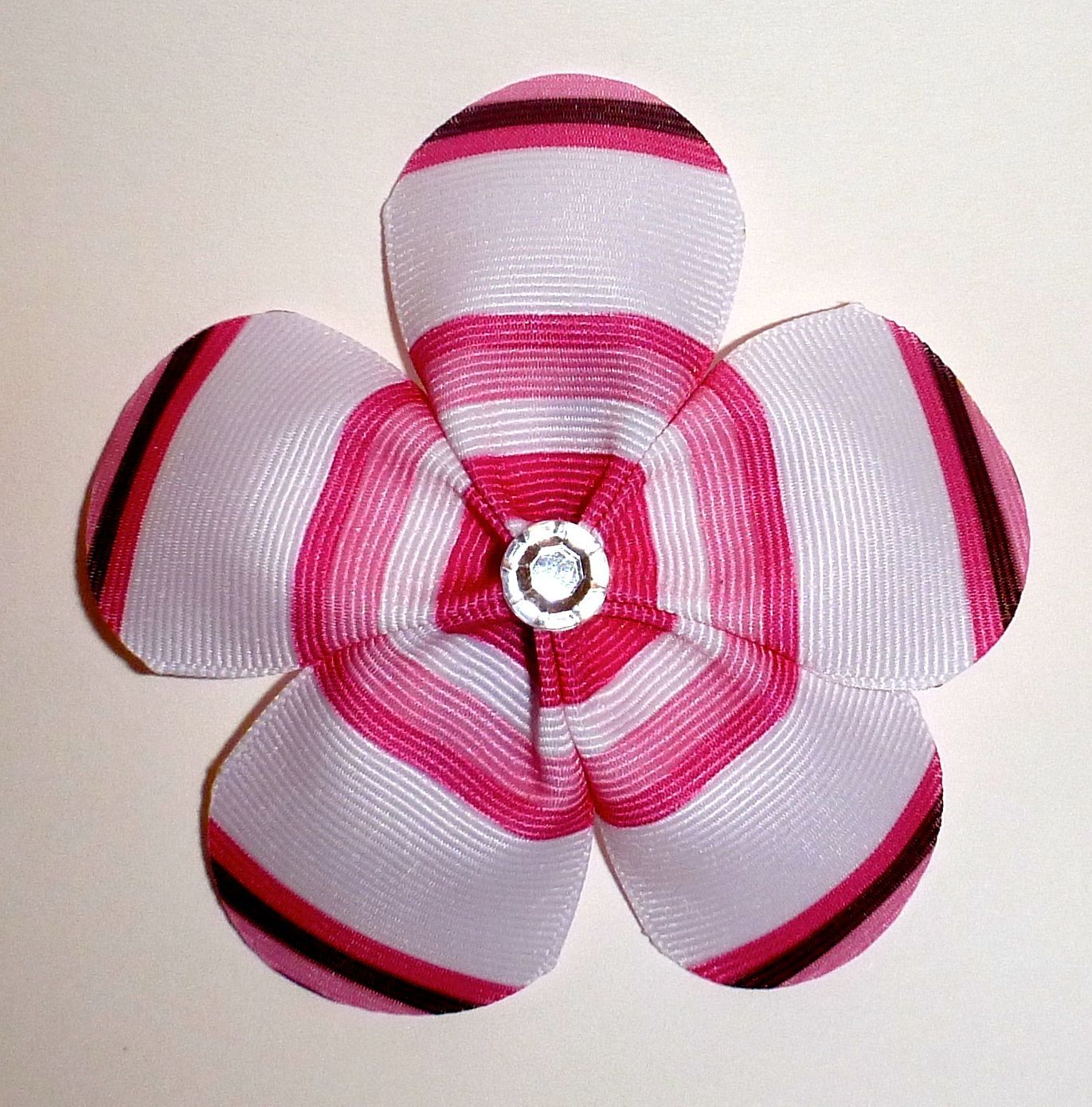 Stripped rounded petal flower bow sculptured hair bows