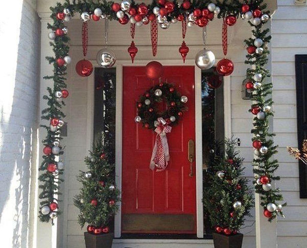 Creative Front Door Christmas Decorations Ideas 28 Front Door Christmas Decorations Christmas Door Decorations Beautiful Christmas Decorations