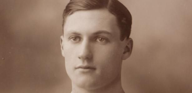 Há 100 anos, atacante do Chelsea sobreviveu à guerra e morreu em pandemia
