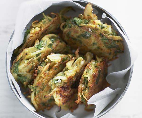 Onion & spinach pakoras with cucumber raita