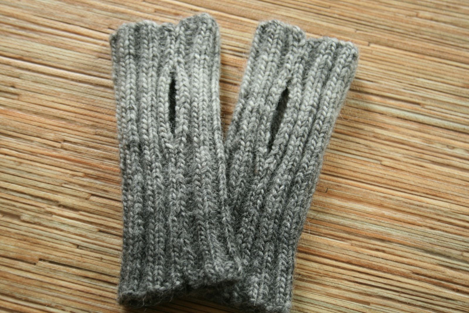 Ravelry: Wribbed Wristers by Joan Janes | Fingerless ...